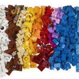 LEGO Classic Bricks and Lights